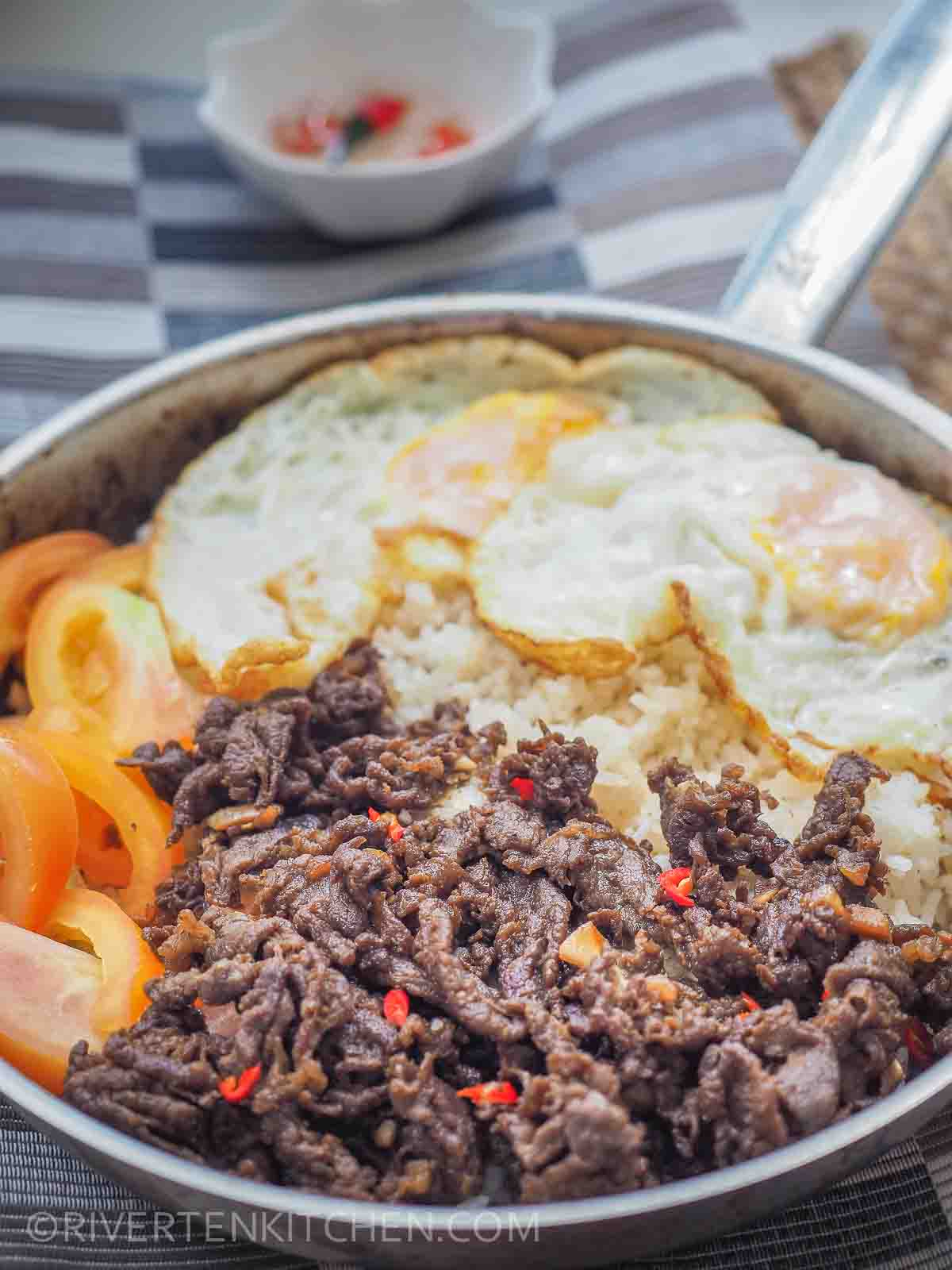 Beef Tapa With Eggs And Garlic Rice